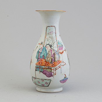 A Chinese famille rose porcelain vase, 19th century.