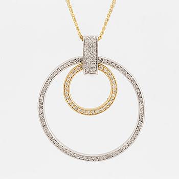 HÄNGE i form av ringar, med briljantslipade diamanter, totalt ca 1,25 ct samt dubbel kedja.