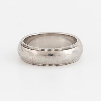 TIFFANY & CO.ring, med räfflade detaljer.
