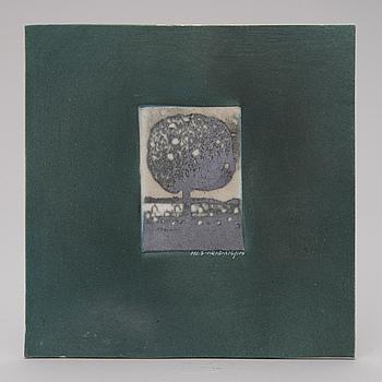 HELJÄ LIUKKO-SUNDSTRÖM, A ceramic art plate, signed HLS Arabia, numbered 16/100, dated 1977.