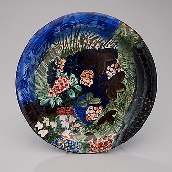 DORRIT VON FIEANDT, A decorative porcelain plate, signed DF, Arabia Finland.