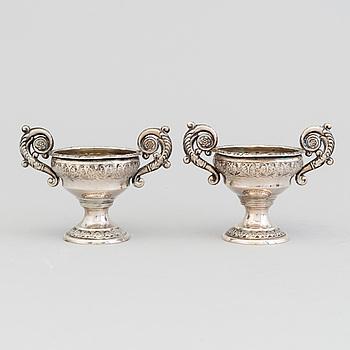 SALTKAR, ett par, senempire, silver, utländska stämplar.