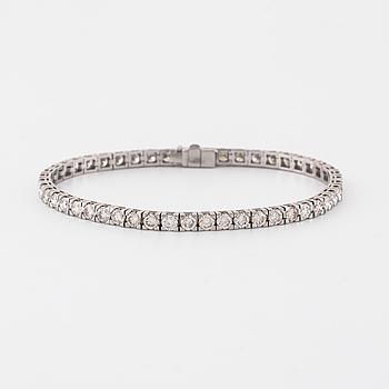 ARMBAND, med 49 briljantsliapde diamanter totalt ca 6.50 ct.