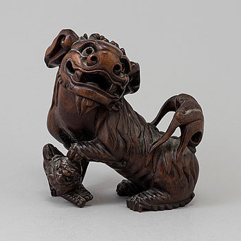 A wooden sculpture, China, first half of the 20th century.