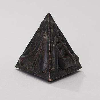 "KAUKO RÄSÄNEN, A ""Neljä sivua"" (""Four sides"") bronze medal, signed and dated -85, numbered 4/10."