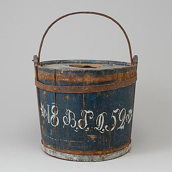 A wooden folks bucket from Alfta in the region of Hälsingland dated 142.