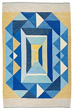 """209. Agda Österberg, MATTA, """"Diamant"""", rölakan, ca 223,5 x 146 cm, signerad AÖ samt broderat à tergo: AGDA ÖSTERBERG."""