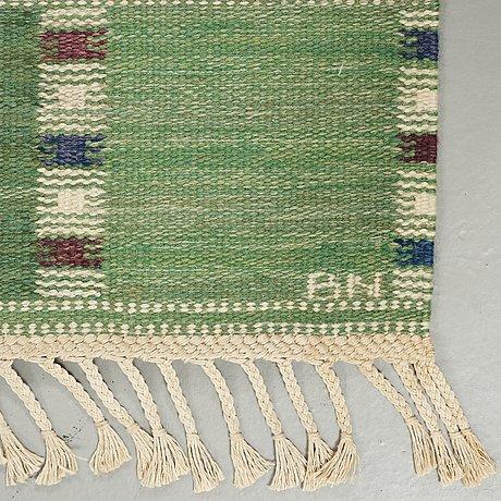"Barbro nilsson, a carpet, ""falurutan grön i"", flat weave, ca 194,5 x 159,5 cm, signed ab mmf bn."