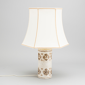 A CERAMIC TABLE LAMP BY BITOSSI FOR BERGBOMS.