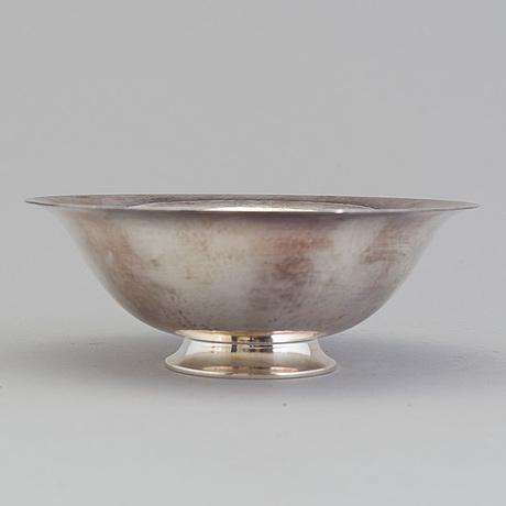 Harald nielsen, a silver bowl from georg jensen, denmark.