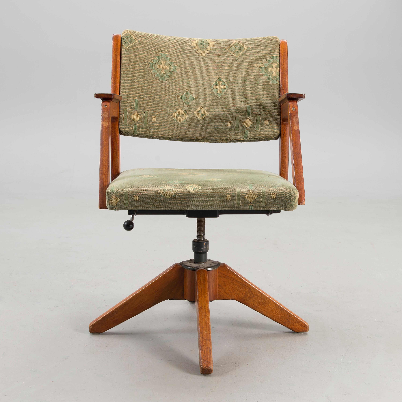 A 1930s armchair. - Bukowskis
