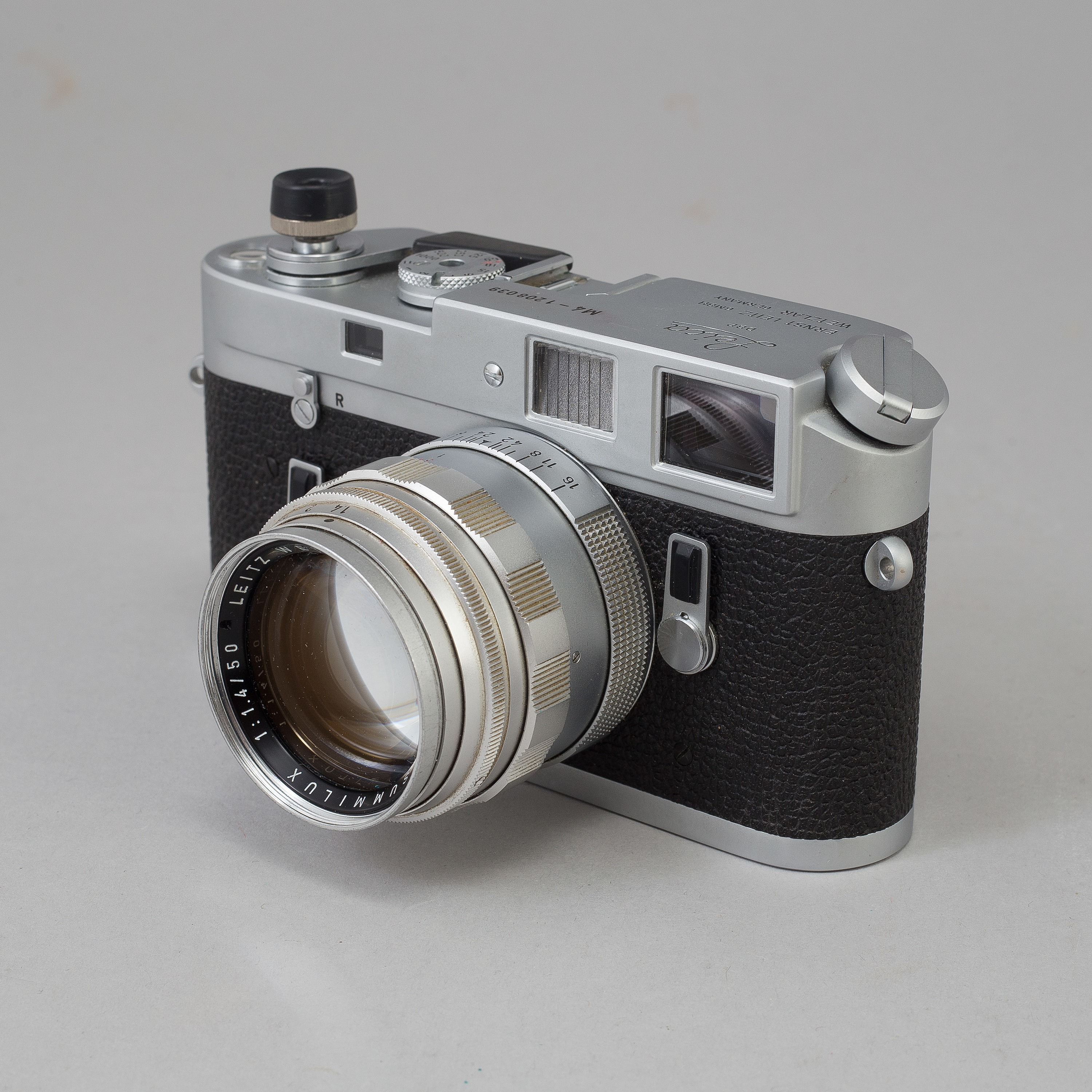 A chrome body Leica M4 no 1208039 from Wetzlar 1968  With