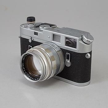 KAMERA, LEICA M4, nr 1208039, Wetzlar 1968. Med Summilux 1:1.4/50.