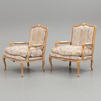 FÅTÖLJER, ett par, Louis XV-stil, 1900-talets andra hälft.