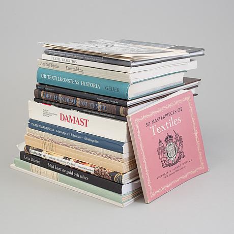 BÖcker och hÄften, 21 st., ämne: damast, tryckta textilier och relaterade ämnen