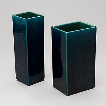 HEIDI BLOMSTEDT, vaser 2 st, keramik, signerade HB i godset, Kupittan Savi, 1960-tal.