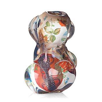 11. Per B Sundberg, a 'fabula' vase, Orrefors, Sweden 1998.