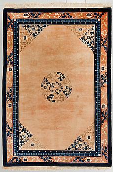 MATTA, Kina, old/semiantik, ca 244 x 170 cm.