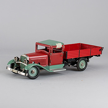 A MÄRKLIN LKW 1101 TRUCK FROM GERMANY 1930'S.