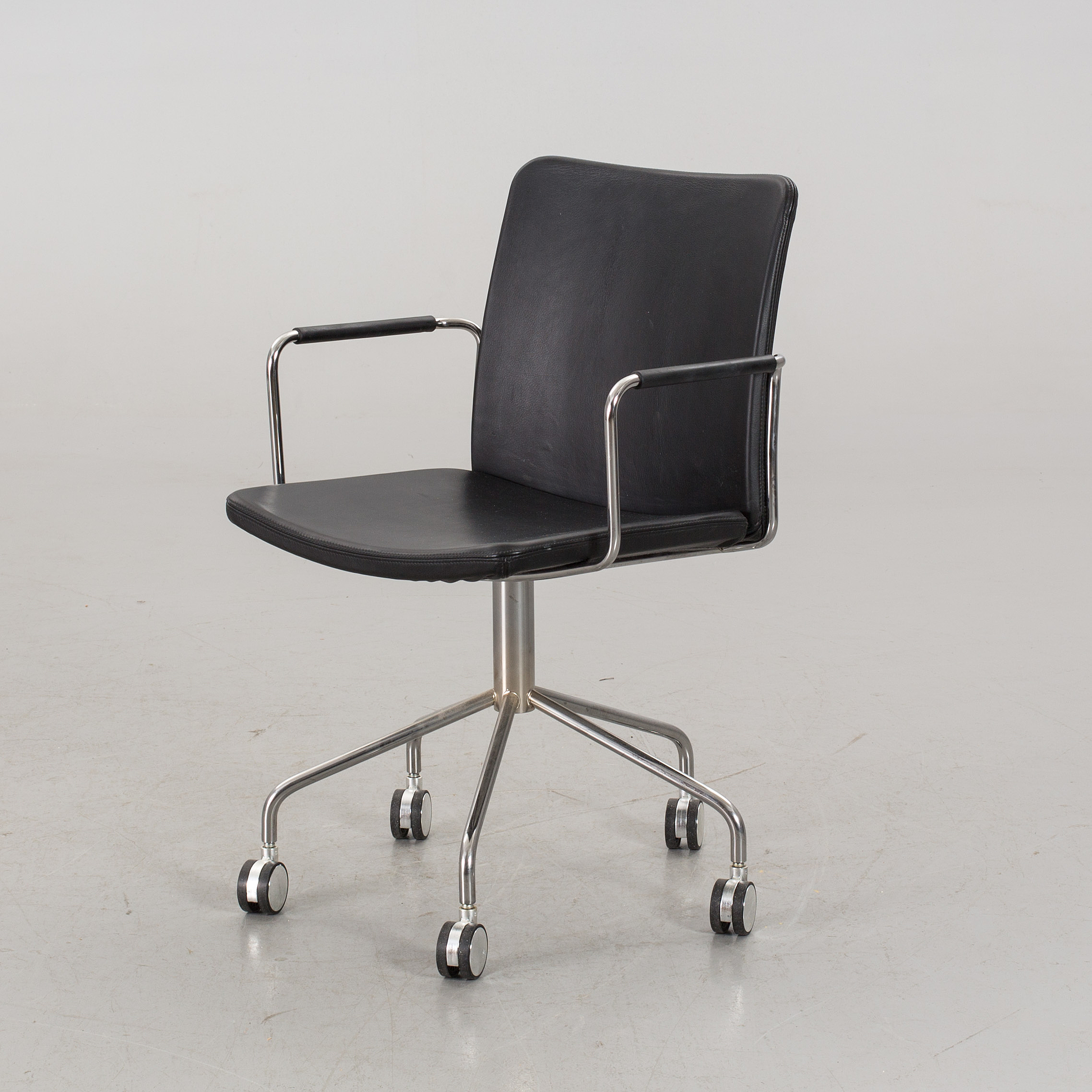 "BROBERG& RIDDERSTRåLE kontorsstol""Stella"" för Swedese 2000 tal Bukowskis"