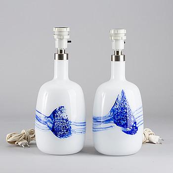 BORDSLAMPOR, ett par, glas, Le Klint.