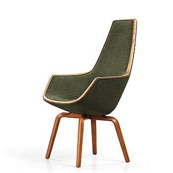 "289. Arne Jacobsen, a ""The Giraffe"" armchair by Fritz Hansen, for the SAS Royal Hotel, Copenhagen in 1958."