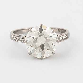 A old cut diamond ring by K. Andersson, Stockholm, 1929.