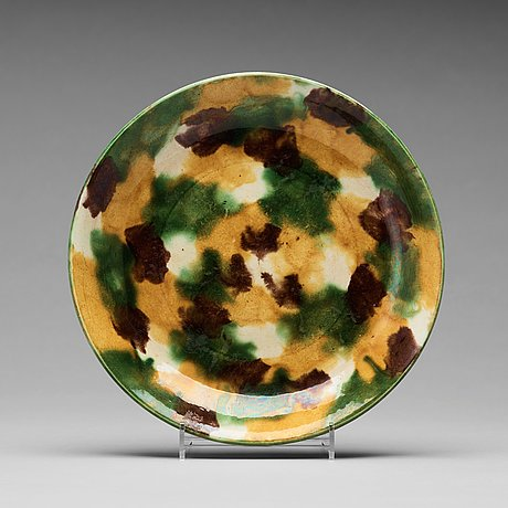 An egg and spinach dish, qing dynasty, kangxi (1662-1722).