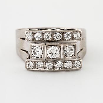 RING, med briljantslipade diamanter ca 0.54 ct, GA Wall, Stockholm, 1953.