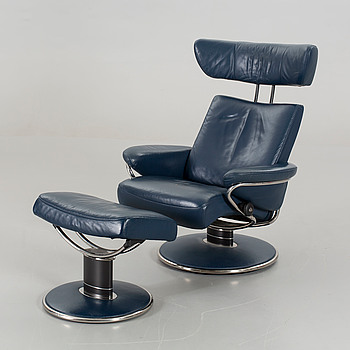 A ekornes Stressless Jazz lounge chair and a foot stool.