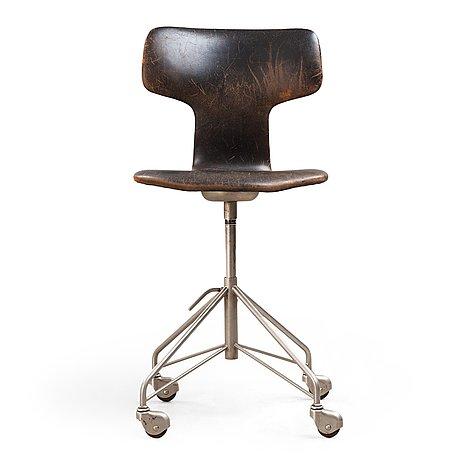 """Arne jacobsen, skrivbordsstol, modell """"3113"""", fritz hansen, danmark 1950-tal."""