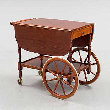 SERVERINGSVAGN, mahogny, 1900-talets andra hälft.