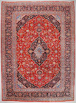 A Keshan rug, old, ca 402 x 300 cm.