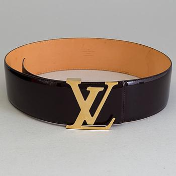 A belt by Louis Vuitton, in size 85.