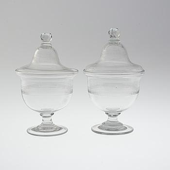 POTPURRIURNOR, ett par, glas, 1900-tal.