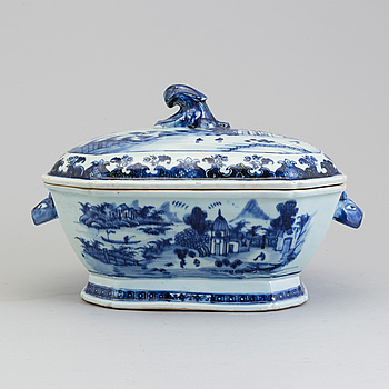TERRIN med LOCK, kompaniporslin. Kina, Qingdynastin, Qianlong (1736-95).
