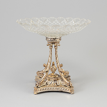 BORDSUPPSATS, silver och glas, C G Hallberg, Stockholm 1895. Silver vikt ca 600 g.