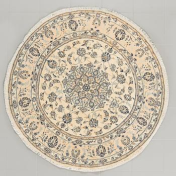 MATTA, Nain, part silk, diameter ca 150 cm.
