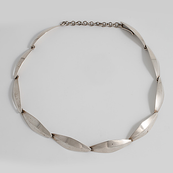 BENDT KNUDSEN, Kolding, Danmark, a necklace.