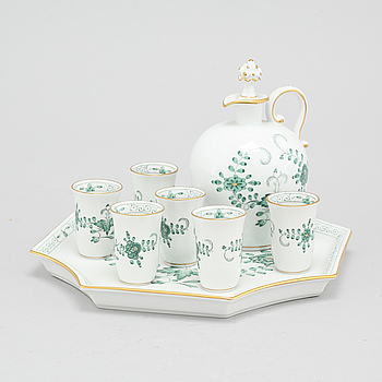 Eight porcelain tableware for sake, Meissen, 20th century.