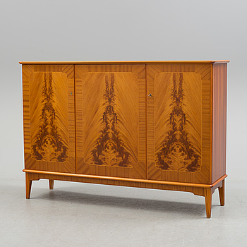 SIDEBOARD, omkring 1900-talets mitt.