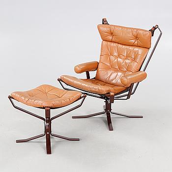 "FÅTÖLJ MED FOTPALL, ""The Falcon Chair"", Sigurd Resell, Vatne Möbler, Norge, 1900-talets andra hälft."