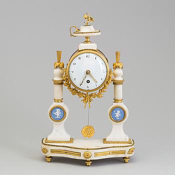 BORDSPENDYL, Louis Seize, 1800-talets början.