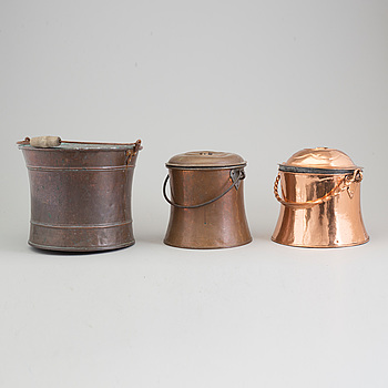 A COPPER BUCKET AND TWO MILK CHURNS, 19th century.