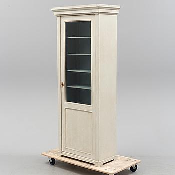 VITRINSKÅP, sent 1800-tal.