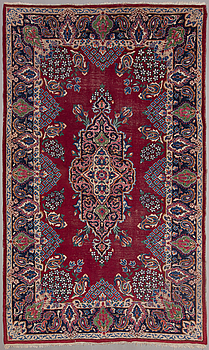 An Old Kerman carpet. Circa 323x194 cm.