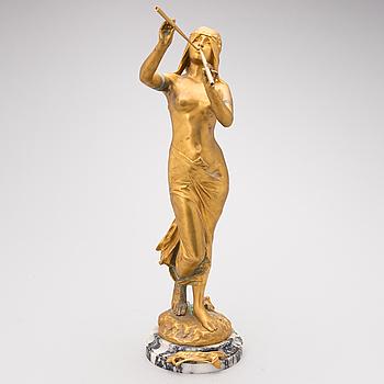 "EDOUARD DROUOT, ""La Renomée"" guldmålad brons."