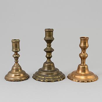 LJUSSTAKAR, 3 st, brons, barock, 1700-tal.