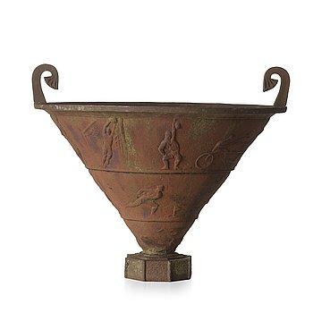 117. Rolf Bolin, a cast iron garden urn 'Sporturnan' by Näfveqvarn, Sweden post 1925.
