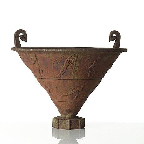 Rolf bolin, a cast iron garden urn 'sporturnan' by näfveqvarn, sweden post 1925.